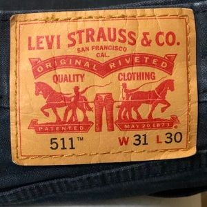 Levi dark blue jeans